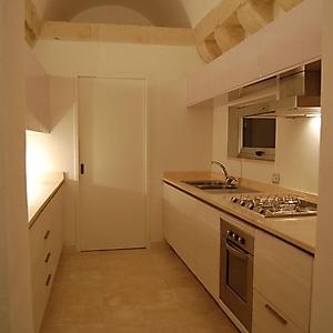 4 rosa pastello lucido abete spazzolato cucina in ambiente antico