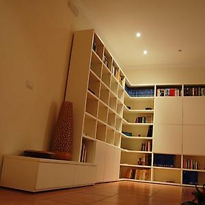 15 libreria angolare su misura con tv
