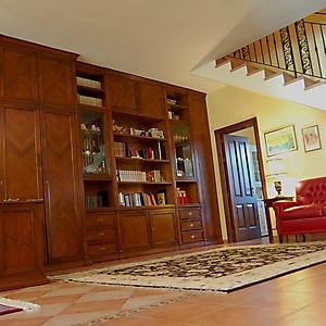 23 parete ciliegio classica su misura ingresso salone