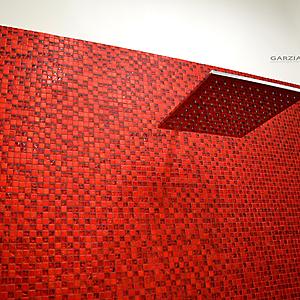 14 bagno moderno mosaico rosso vetro
