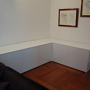 2 mobile base moderno angolo